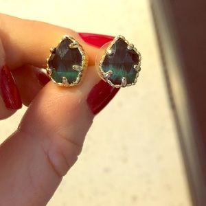 Kendra Scott Tessa Earrings in Emerald Green